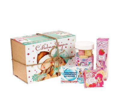 Новогодний набор «Маленькая леди»: бальзам для губ, душистая вода, бурлящие сердечки, мыло, фото 1