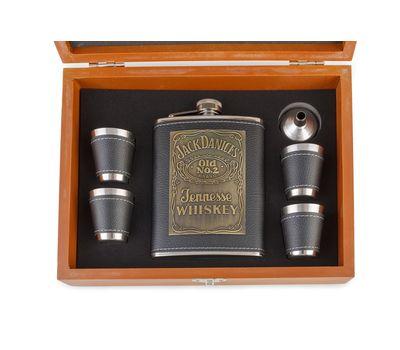Подарочный набор «Деревянные шахматы с фляжкой и рюмками», фото 10